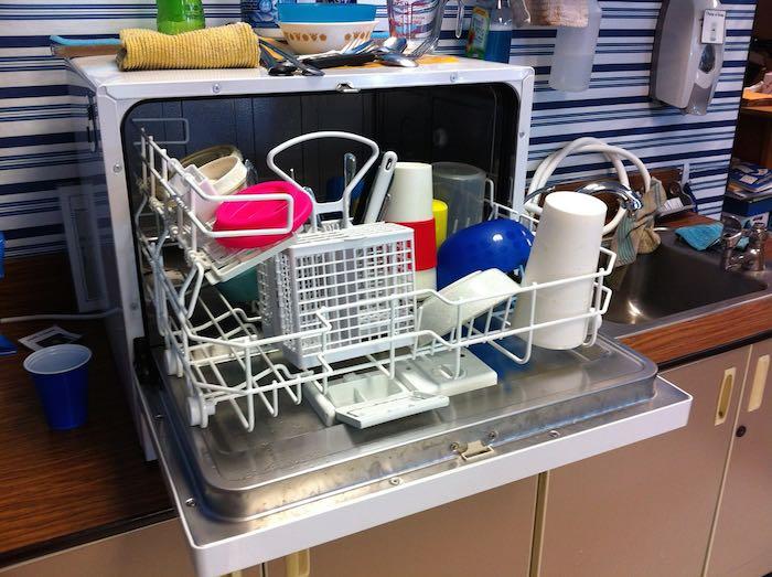 How to make homemade dishwashing detergent