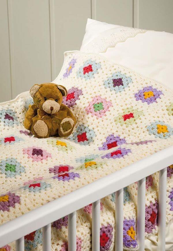 Crochet quilt for children's room