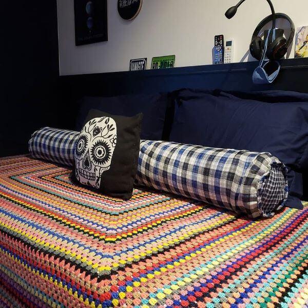 Single crochet quilt for modern bedroom