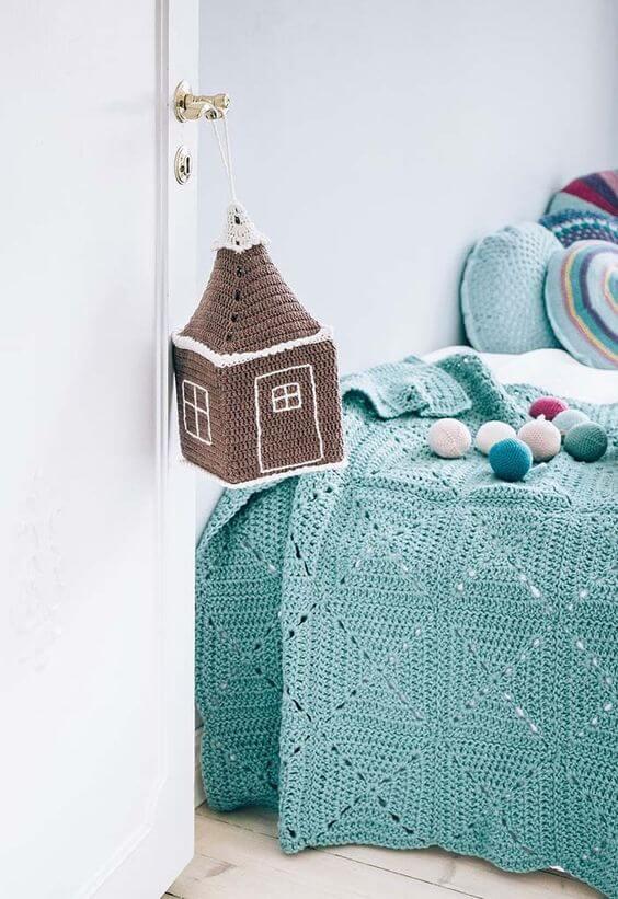 Children's bedroom with crochet details