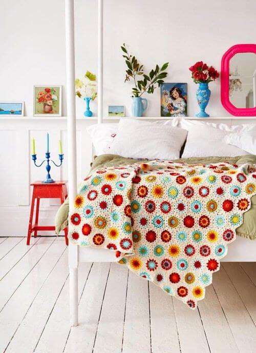 Double bed quilt with flowers