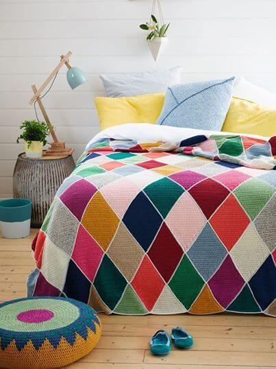Quilt for double bed with colorful crochet diamonds