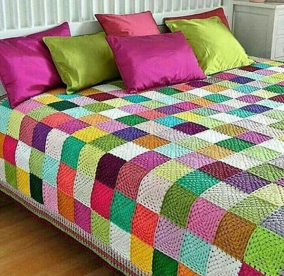 Colorful bedspread for modern bedroom