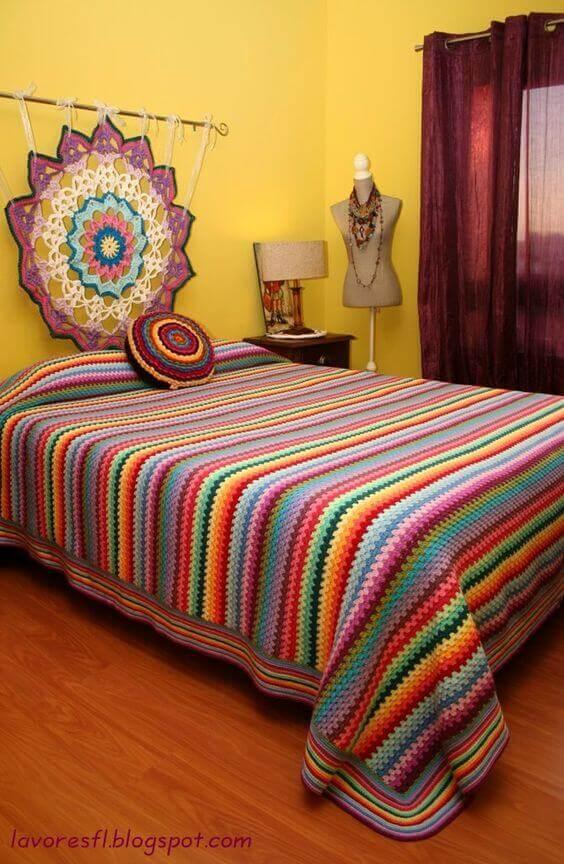 Striped crochet bed coverlet for modern bedroom