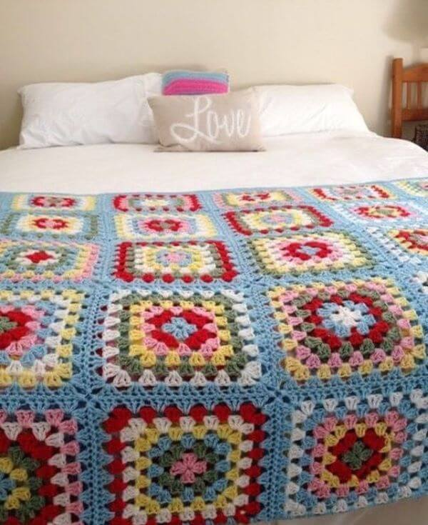 Colorful bedspread for bedroom