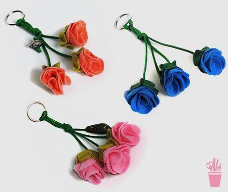 Felt flower keychain