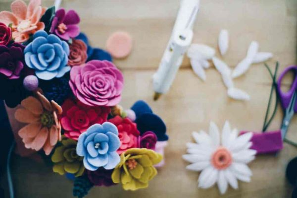 Colorful felt flower to decorate the house