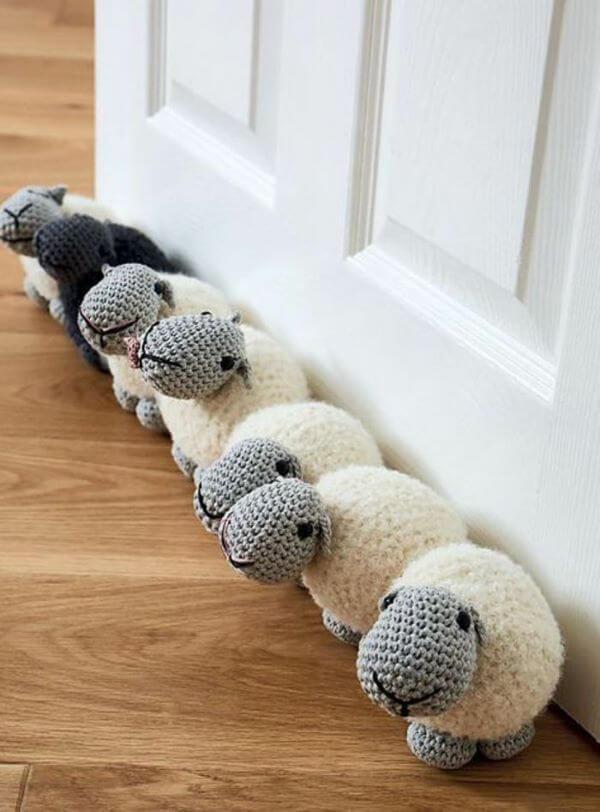 Weight for crochet door for children's room with sheep