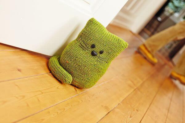 crochet weight for door
