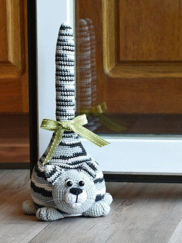 Cat crochet door weight