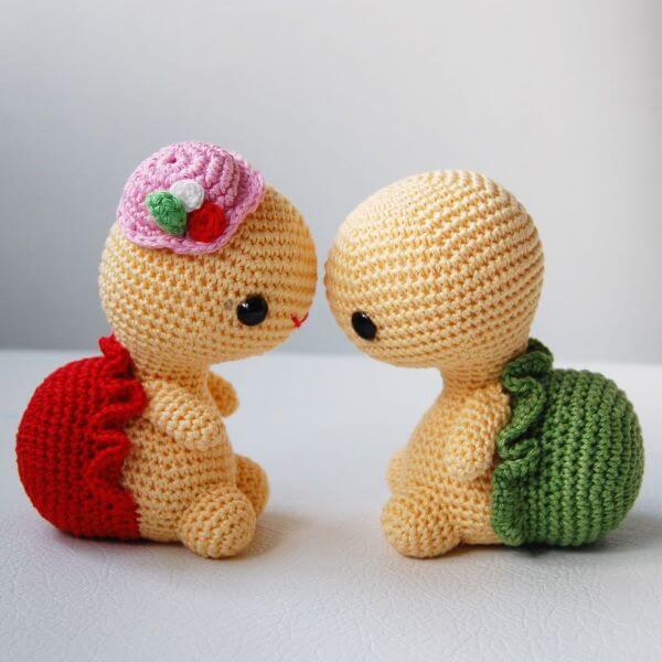Crochet turtles for door weight
