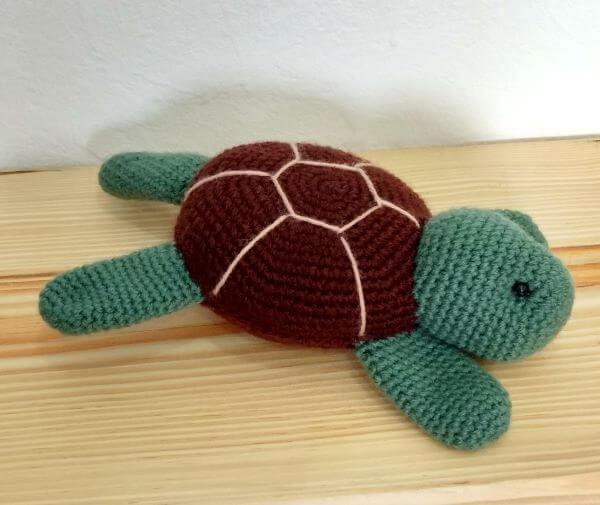 Amigurumi tortoise for door weight