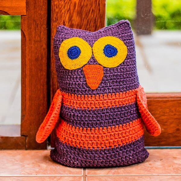 Colorful owl to hold the house door