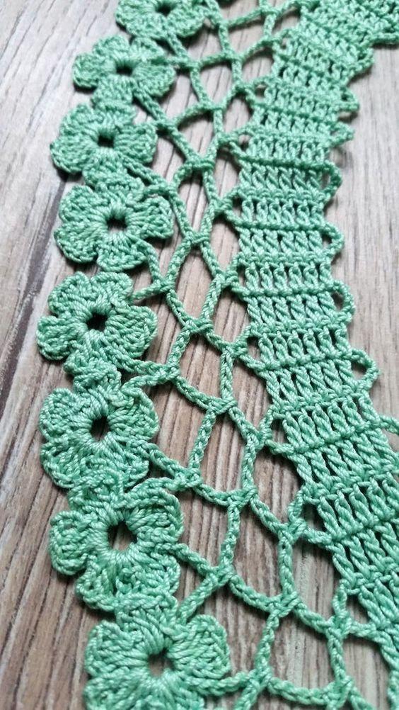 Round crochet nozzle