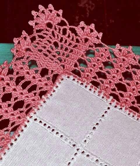 Crochet beak with pink details