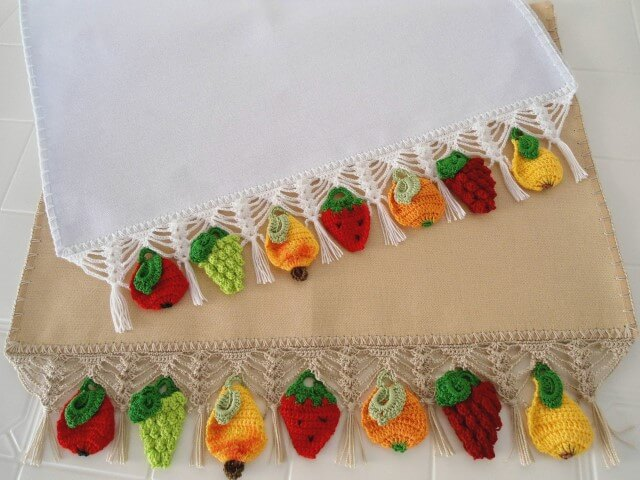 Crochet hook for dish towel with crochet fruits Photo by MS Musical