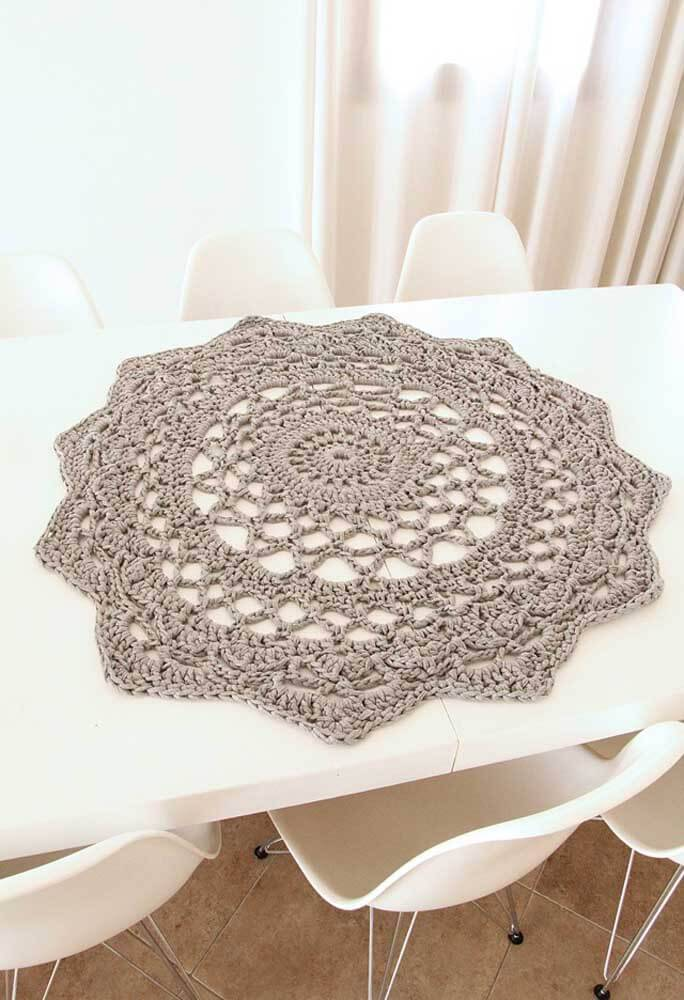 Round crochet centerpiece