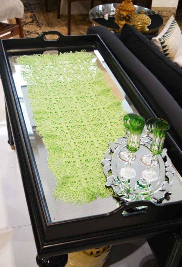 Rectangular crochet centerpiece
