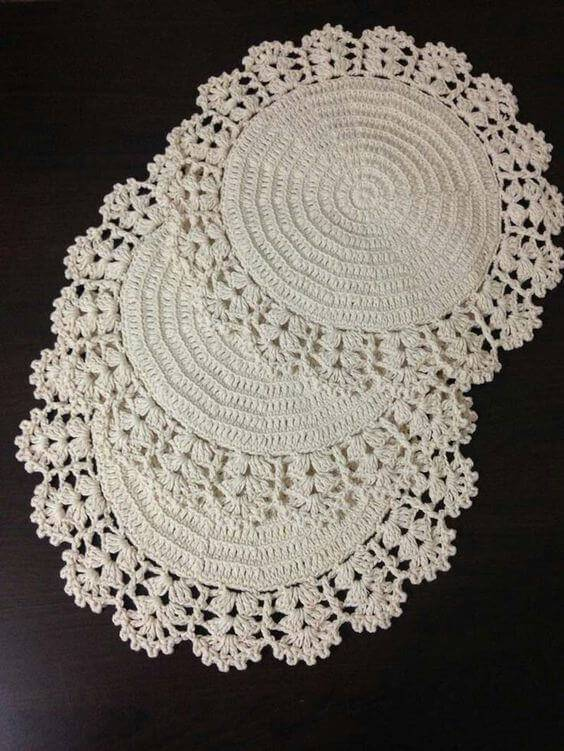 how to make round crochet centerpiece
