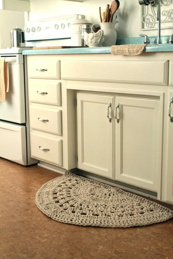 Crochet carpet for half moon kitchen Photo from Pinterest
