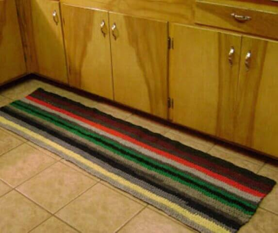 Crochet kitchen rug with horizontal stripes Photo by Amanda's Happy Hearth