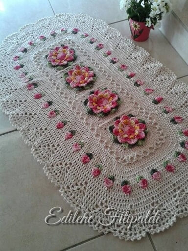 Crochet crochet rug for kitchen with pink flowers Photo by Pinterest