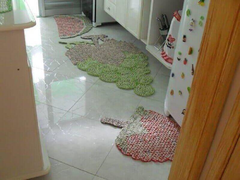 Crochet kitchen rug with fruit shape