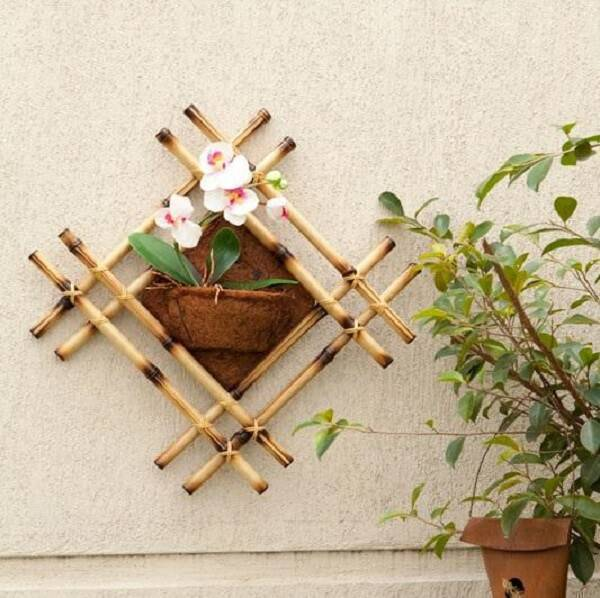 Form a beautiful plant stand with bamboo