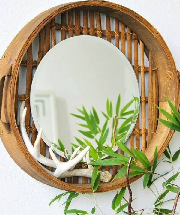 Create a beautiful decorative object from bamboo crafts