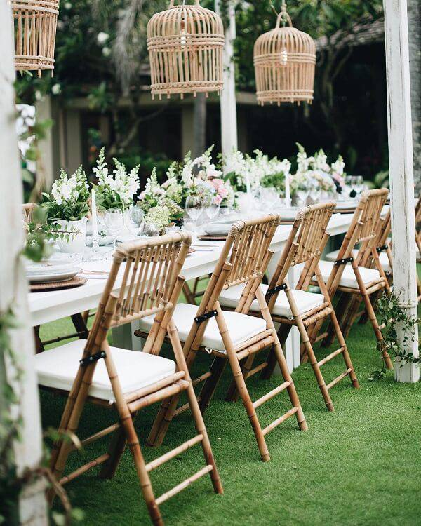 Decorate the wedding with chairs made of bamboo crafts