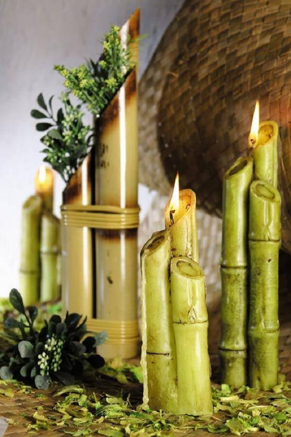 Bamboo crafts are used to support candles
