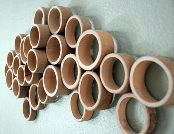 Decorate the wall in a creative way made of crafts with bamboo
