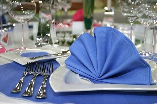 How to fold napkins for party