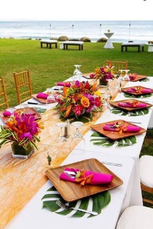 Colorful decor with matching fabric napkin