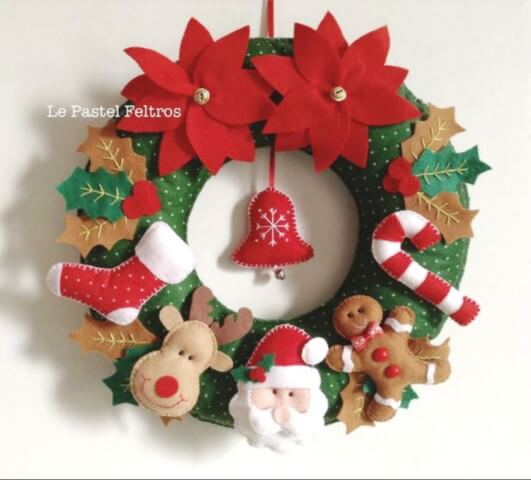 Learn how to make the basis for having a Christmas wreath as beautiful as this one