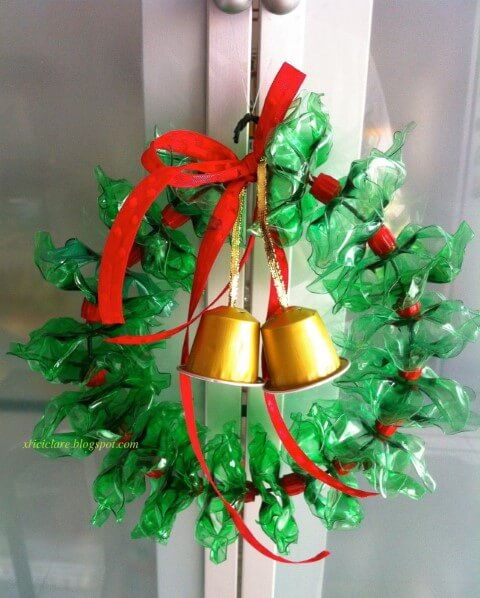 How to make Christmas ornaments with PET bottle garland with coffee capsules