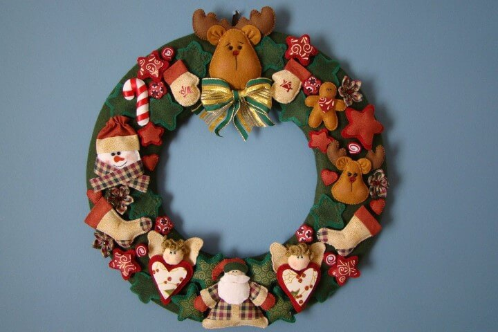 How to make felt Christmas ornaments with cute dolls
