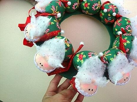 Felt Christmas wreath like mini Santa Claus
