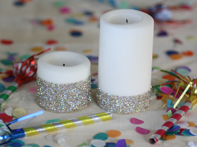 How to make Christmas ornaments with glitter