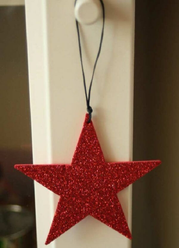 How to make Christmas ornaments with red EVA