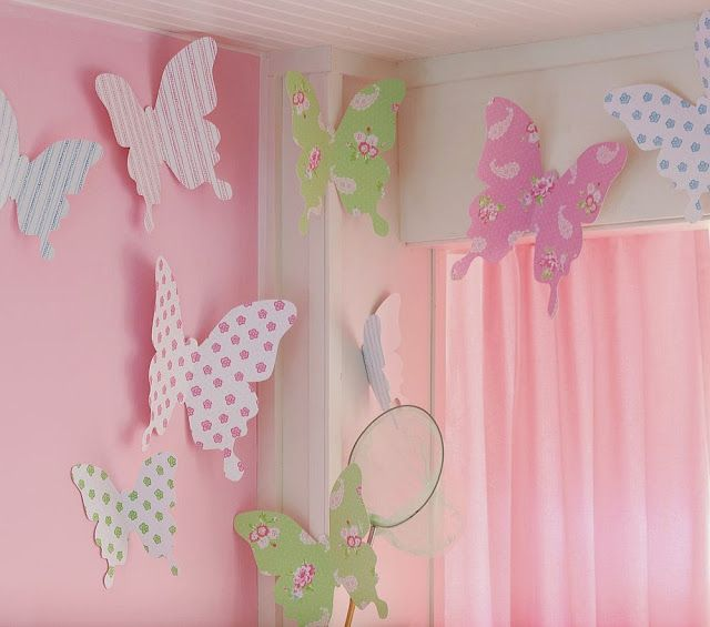 Paper butterflies to use in baby room decor