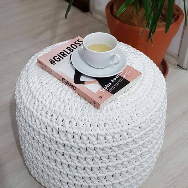 white crochet puff white crochet puff
