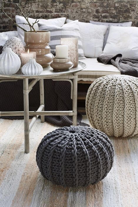 Room with round crochet puff
