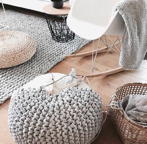 knit puff