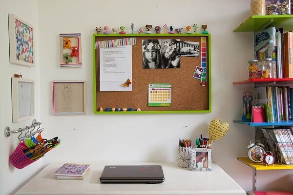 Special corner with corkboard