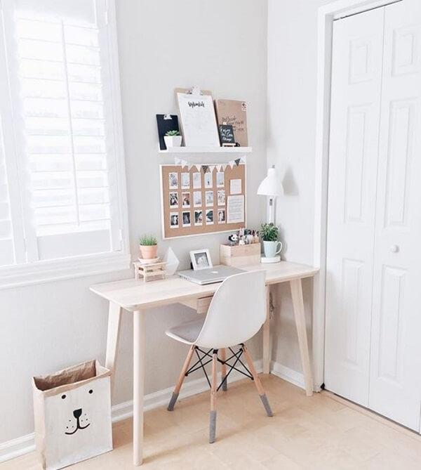 Minimalist decor with mini corkboard on the wall