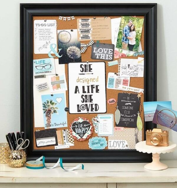 Cork board with black frame mixes the rustic with the modern in the environment