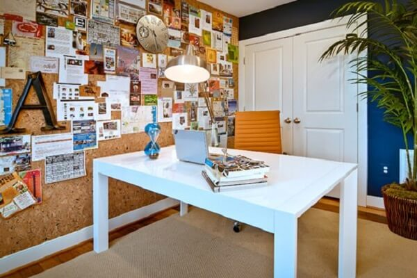 Large cork used as wall covering