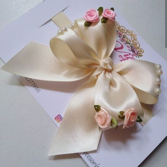 how to make ribbon bow - delicate ribbon bow
