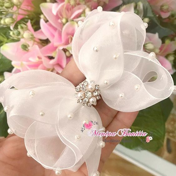 how to make ribbon bow - white wedding bow